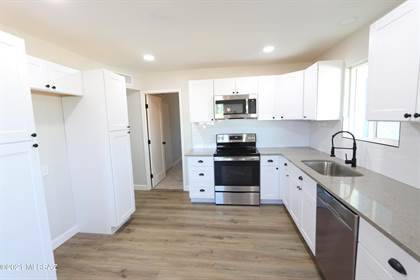 Residential Property for sale in 8202 E 19Th Street, Tucson, AZ, 85710
