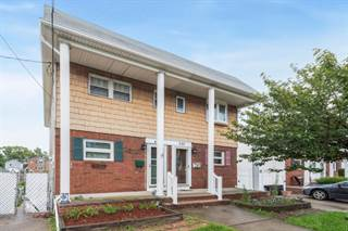 Townhouse for sale in 431 Bedford Ave, Staten Island, NY, 10306
