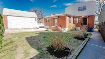Residential for sale in 2746 Hering Avenue, Bronx, NY, 10469