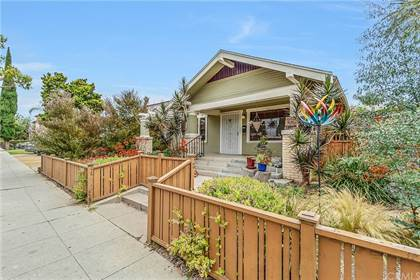 Residential Property for sale in 2302 Chestnut Avenue, Long Beach, CA, 90806