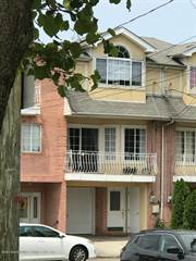 Townhouse for sale in 63 Peacock Loop, Staten Island, NY, 10309