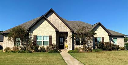 Residential for sale in 207 Promenade Circle, Russellville, AR, 72801