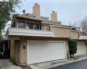 Townhouse for rent in 2111 LOST LAKE PLACE, Martinez, CA, 94553