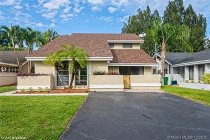 Residential for sale in 8411 SW 39th Ct, Davie, FL, 33328