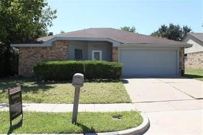 Residential Property for sale in 416 Kalmia Drive, Arlington, TX, 76018
