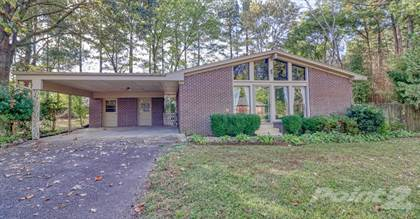 Single-Family Home for sale in 100 Villagewood Drive , Jackson, TN, 38305