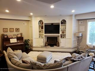Townhouse for sale in 24 Harbour Court 1, Staten Island, NY, 10308