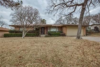 Residential for sale in 1306 W Lavender Lane, Arlington, TX, 76013