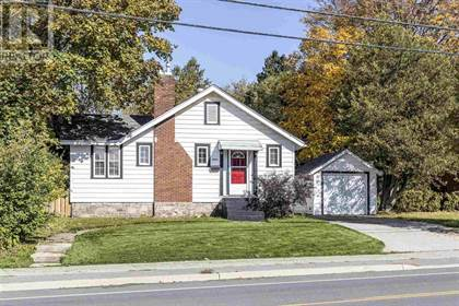Single Family for sale in 1052 Queen ST E, Sault Ste. Marie, Ontario, P6A2C8