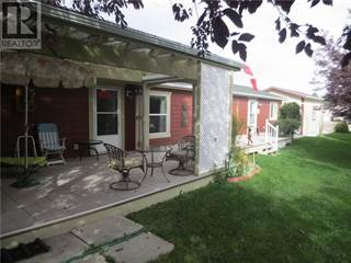 Single Family for sale in 2912 33 Avenue S, Lethbridge, Alberta, T1K6S9