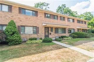 Condo for sale in 136 E HICKORY GROVE Road, Bloomfield Hills, MI, 48304
