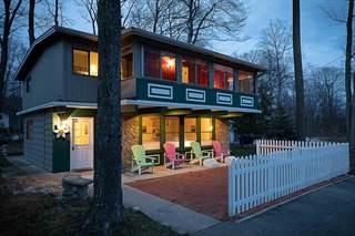 Single Family for sale in 12807 Birchcrest, Charlevoix, MI, 49720