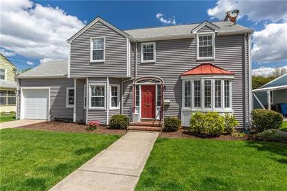Residential for sale in 102 Betsey Williams Drive, Cranston, RI, 02905