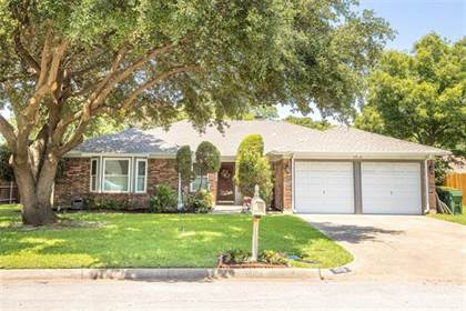 Residential for sale in 1915 Dartmouth Court, Arlington, TX, 76015