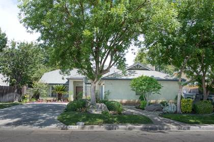 Residential for sale in 4736 W Sussex Way, Fresno, CA, 93722