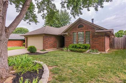 Residential for sale in 533 NW 169th Street, Oklahoma City, OK, 73012