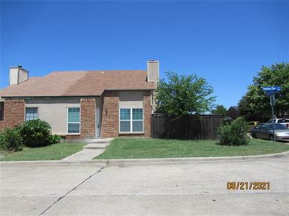 Residential for sale in 2215 Summer Day Drive, Arlington, TX, 76014