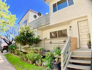 Townhouse for sale in 4562 Saviers Road, Oxnard, CA, 93033