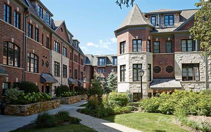 Residential Property for sale in Streetsville Townhomes, Queen/Thomas, Mississauga, Ontario, L5M1Y9