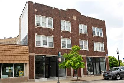 Apartment for rent in 3922-24 N. Milwaukee Ave., Chicago, IL, 60641