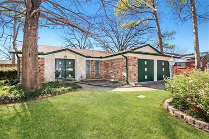 Residential for sale in 2212 Miriam Lane, Arlington, TX, 76010