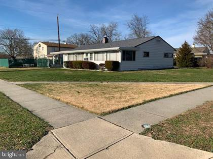 Residential Property for sale in 5 SERPENTINE LANE, Levittown, PA, 19055