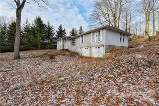 Residential Property for sale in 109 WOODVIEW Crescent, Hamilton, Ontario
