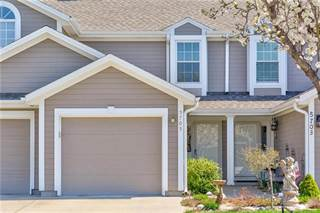 Condo for sale in 5705 NW Moonlight Meadow Court, Lee's Summit, MO, 64064