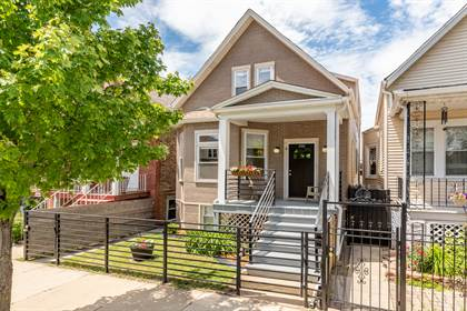 Residential for sale in 2966 North WISNER Avenue, Chicago, IL, 60618