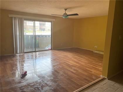 Residential for sale in 518 Camelot Drive, Atlanta, GA, 30349