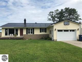 Single Family for sale in 918 N Forestlane Drive, Traverse City, MI, 49686
