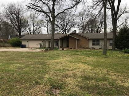Residential Property for sale in 8530 E 37th Place, Tulsa, OK, 74145