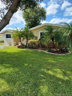 Residential for sale in 7141 SW 14th St, Pembroke Pines, FL, 33023