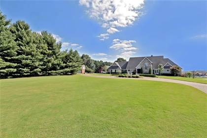 Residential Property for sale in 2924  W New Hope  RD, Rogers, AR, 72758