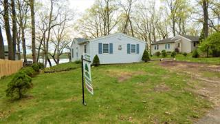 Single Family for sale in 318 Lakeside Drive, Hope, MI, 49046