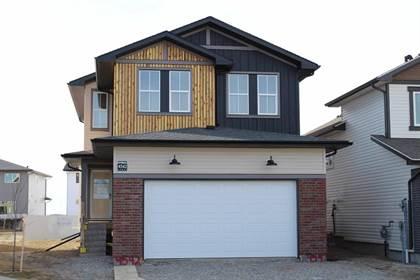 Residential Property for sale in 122 Greywolf Road N, Lethbridge, Alberta, T1H 7G5