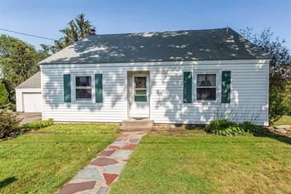 Residential Property for sale in 53 Hillside Rd, Saylesville Highlands, RI, 02865
