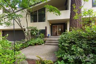Residential for sale in 10500 SE 27th Street, Bellevue, WA, 98004