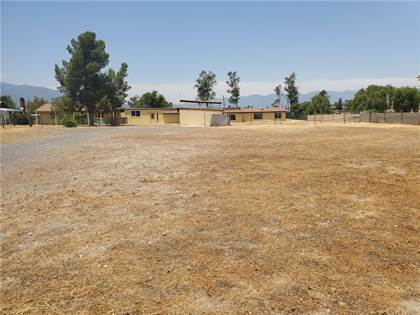 Residential Property for sale in 16830 San Jacinto Avenue, Fontana, CA, 92336