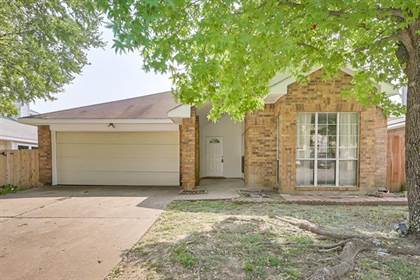 Residential for sale in 404 Valley Mills Drive, Arlington, TX, 76018