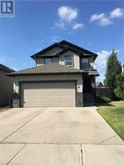 Single Family for sale in 32 Jessie Robinson Close N, Lethbridge, Alberta