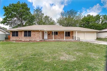 Residential Property for sale in 4920 Stadium Drive, Fort Worth, TX, 76133