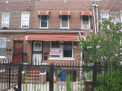 Multifamily for sale in 953 East 221 Street, Bronx, NY, 10469