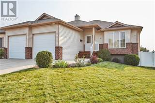 Single Family for sale in 5 Cottonwood Place SW, Medicine Hat, Alberta