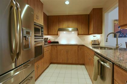 Residential Property for sale in 208 SHEARWATER CT WEST 14, Jersey City, NJ, 07305