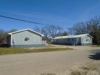 Duplex for sale in 217 SE 2nd, Cross Plains, TX, 76443
