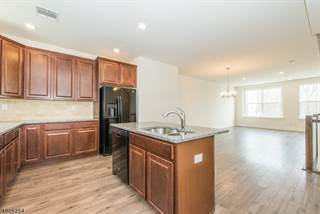 Townhouse for sale in 508 Parkview Lane, White Meadow Lake, NJ, 07866