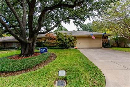 Residential Property for sale in 615 Raintree Court, Arlington, TX, 76012