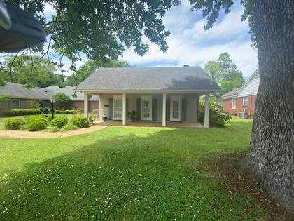 Residential for sale in 517 Bell Avenue, Greenwood, MS, 38930