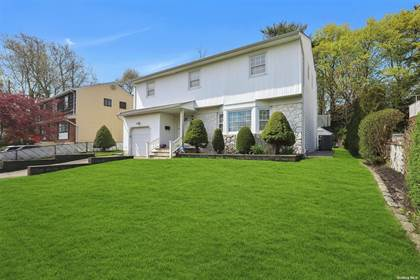 Residential Property for sale in 40 W Lane Drive, Plainview, NY, 11803